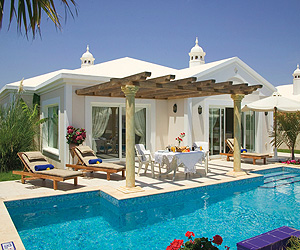 Alondras Villas & Suites