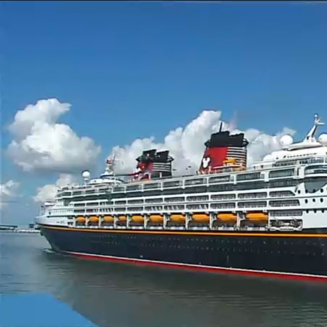 Cruise ship Disney Cruise Line special offers