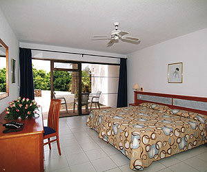Puerto del Carmen Accommodation - Club de Mar Apartments - Sunway.ie