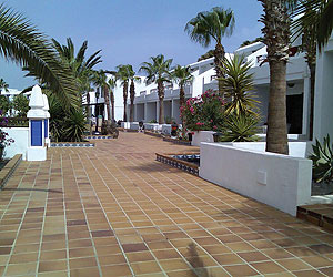 Club de Mar Apartments holiday and late deals to Puerto del Carmen, Lanzarote, Canaries