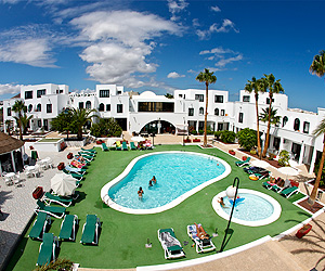 Costa Teguise Accommodation - H10 Suites Lanzarote Gardens - Sunway.ie