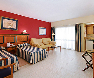Fuengirola Accommodation - Pyr Fuengirola Apartments - Sunway.ie