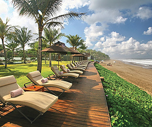 Stay at the The Samaya Villas, Seminyak with Sunway