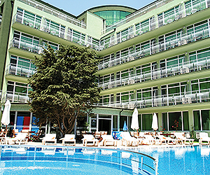 Stay at the Boomerang Hotel, Sunny Beach with Sunway
