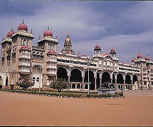 Indian Tours Accommodation - Southern Splendour Tour - Sunway.ie