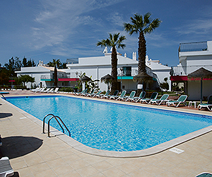 Stay at the Bayside Salgados Apartments, Albufeira with Sunway