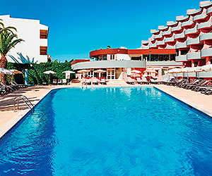 Stay at the Luna Clube Oceano Apartments, Albufeira with Sunway