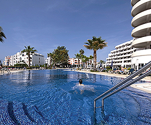 Stay at the Vila Gale Cerro Alagoa, Albufeira with Sunway