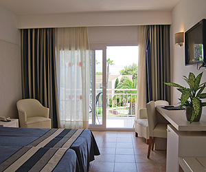 Calan Bosch Accommodation - Princesa Playa Aparthotel - Sunway.ie