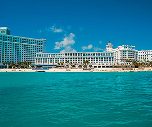 Stay at the Hotel RIU Cancun, Mexico with Sunway