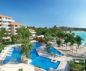 Stay at the Dreams Puerto Aventuras Resort & Spa, Mexico with Sunway