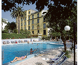 Stay at the Eden Hotel, Sorrento with Sunway