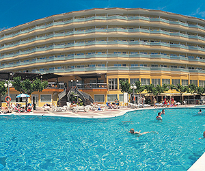 Stay at the Medplaya Piramide Salou, Salou with Sunway