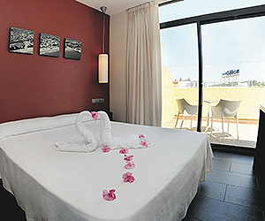 Salou Accommodation - MedPlaya Hotel Calypso - Sunway.ie