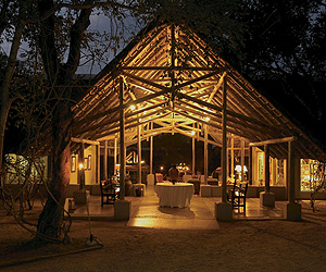 Thornybush Private Nature Reserve, Safari Lodges