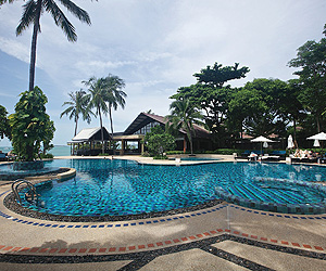 Peace Resort holiday and late deals to Koh Samui