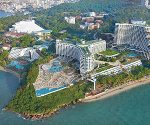 Stay at the Royal Cliff Beach Resort, Pattaya with Sunway