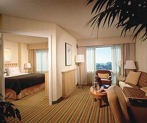 Santa Monica Accommodation - Doubletree Suites Santa Monica - Sunway.ie