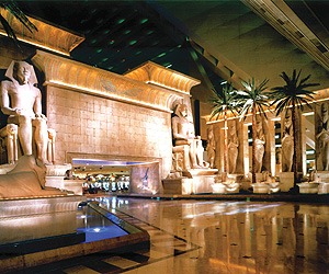 Las Vegas Accommodation - Luxor Hotel - Sunway.ie