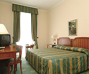 Riva del Garda Accommodation - Savoy Palace Hotel - Sunway.ie