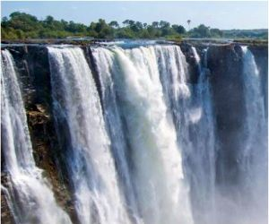 Choose Sunway for your Victoria Falls and Zambia Holiday