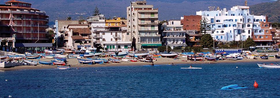 Giardini naxos sicily holidays direct from ireland with for Giardini naxos sicilia
