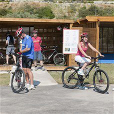 guests about to go mountain biking in levante